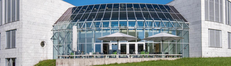 Folienverbund Schweiz Sonnenschutzfolie Foyerdach Universtitaet 1 StGallen